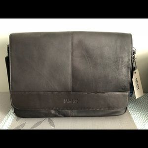 Kenneth Cole Reaction Messenger Laptop Bag